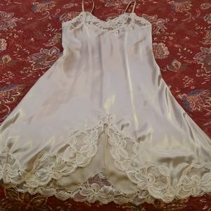 Vintage Ladies Chemise/Nightie